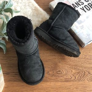 Ugg black suede boots for toddler size 9